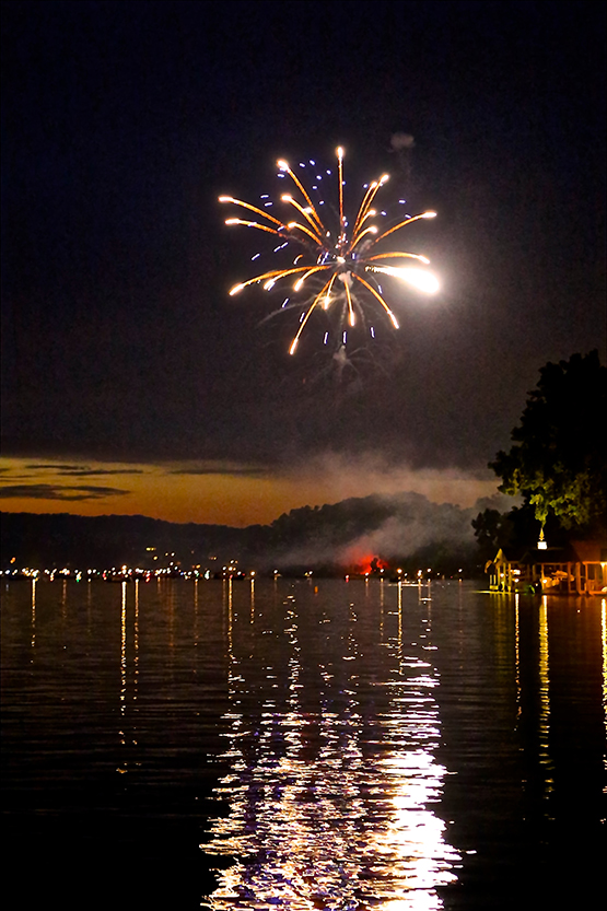 Apple Valey Lake Fireworks Photo by Sam Miller